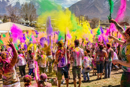 色で弾ける!カラー・フェス(Color Fest)