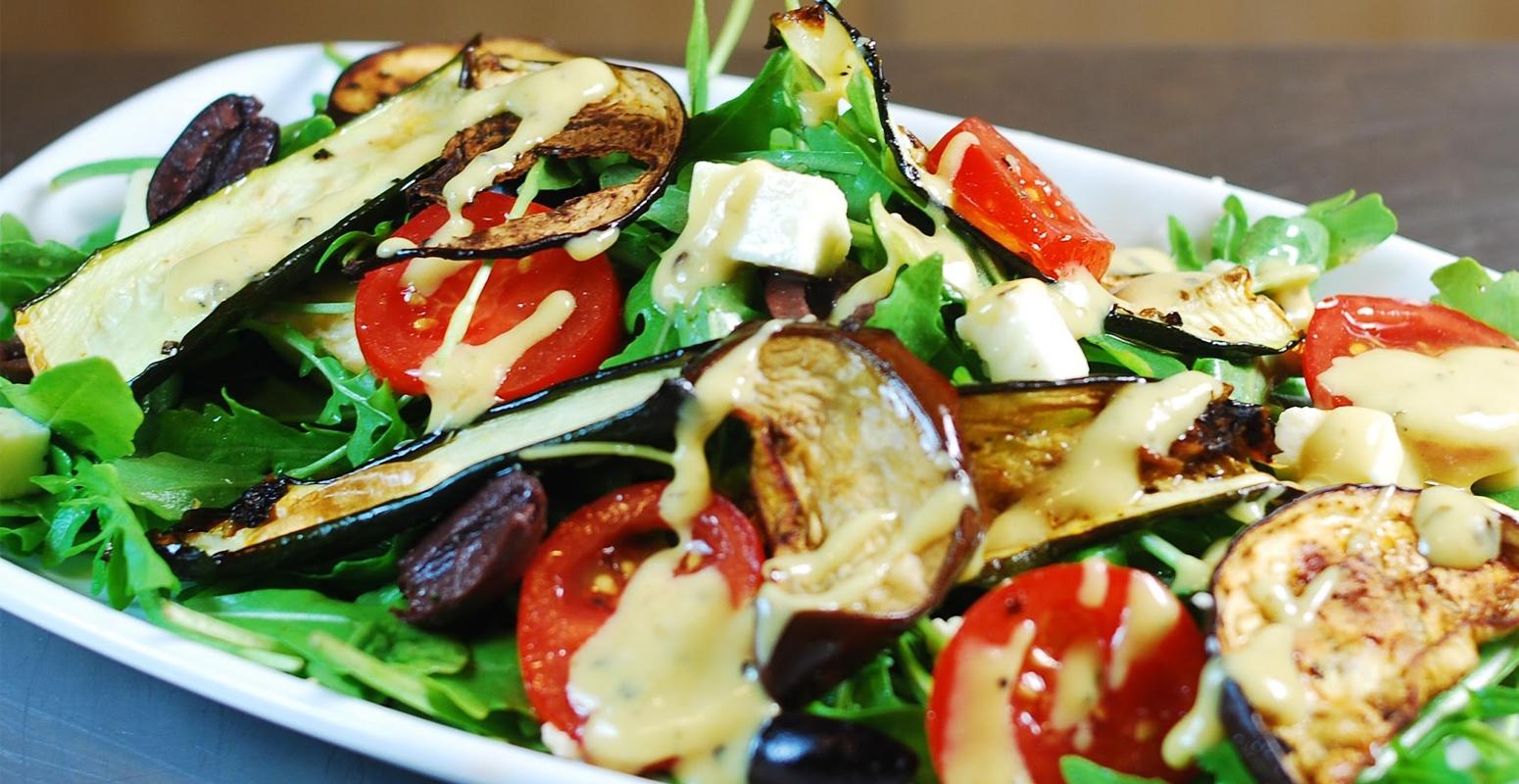ベジタリアン フード サラダ