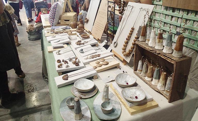 木 アクセサリー 陶器