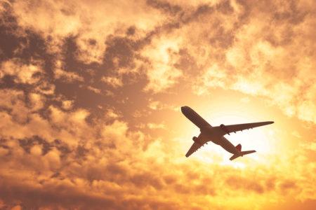 飛行機の安全と事故に合わないために