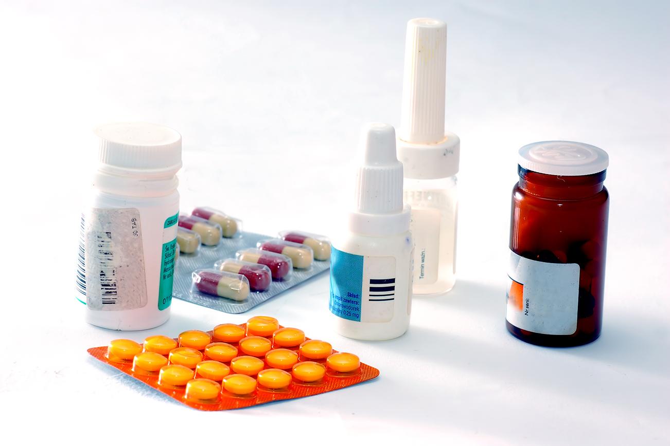 海外に医療品、薬を送る