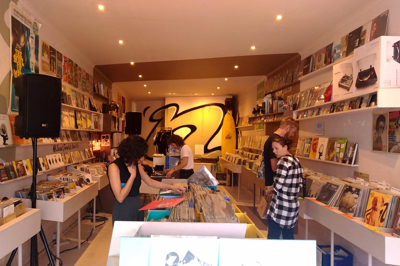ソール、ファンクのレコードが多いお店