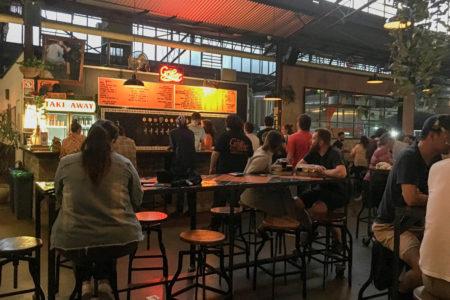 ユニークなクラフトビールが飲める工場兼パブ、The Grifter
